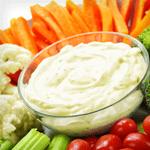 garlic ranch dip with veggies